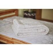 Стеганое одеяло из овечьей шерсти, плотность стандарт, молочное, размер 200*220