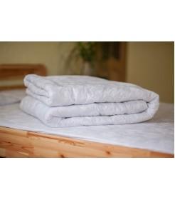 Стеганое одеяло из овечьей шерсти, плотность стандарт, чехол сатин, белое, размер 140*205