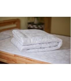 Стеганое одеяло из овечьей шерсти, плотность стандарт, чехол из сатина, белое, размер 170*205